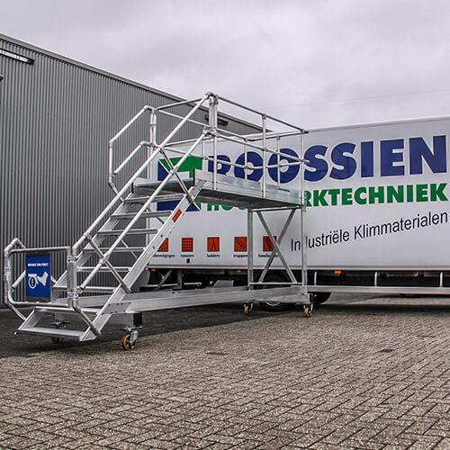 Maatwerk bordestrappen van Roossien Hoogwerktechniek
