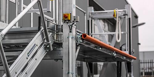 Elektrisch in hoogte verstelbaar werkbordes - Roossien Hoogwerktechniek