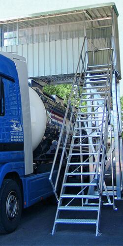Onderhoudsbordes voor vrachtwagen - Roossien Hoogwerktechniek