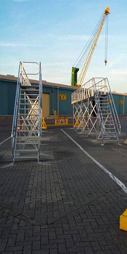Onderhoudsbordessen voor vrachtwagens - Roossien Hoogwerktechniek