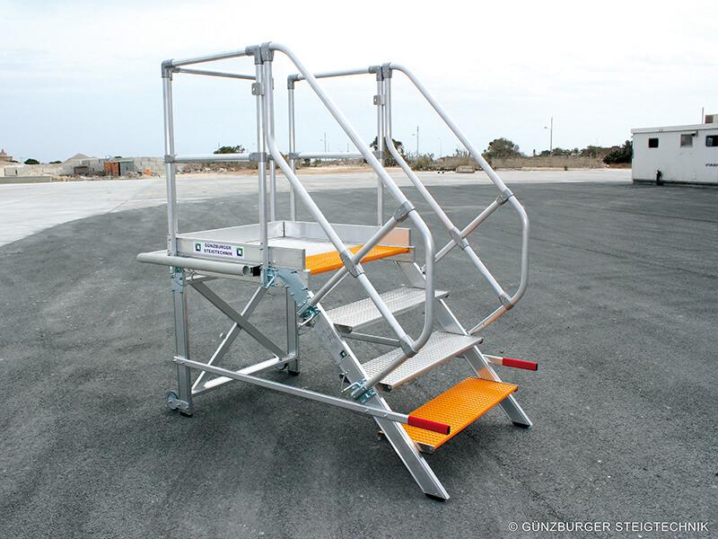 Vliegtuigtrappen - Roossien Hoogwerktechniek